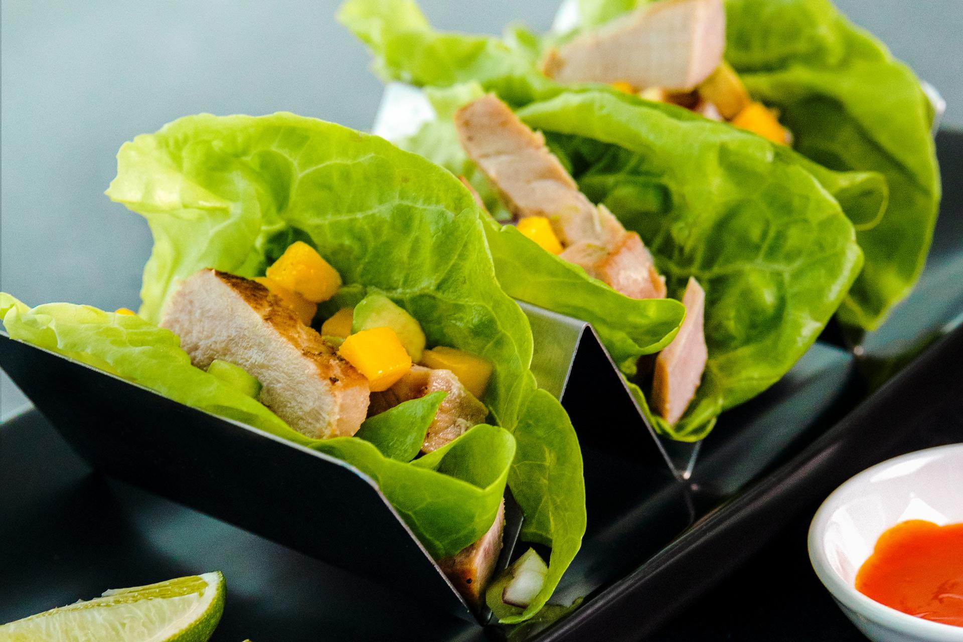 Black Pepper Tuna Steak Lettuce Wraps