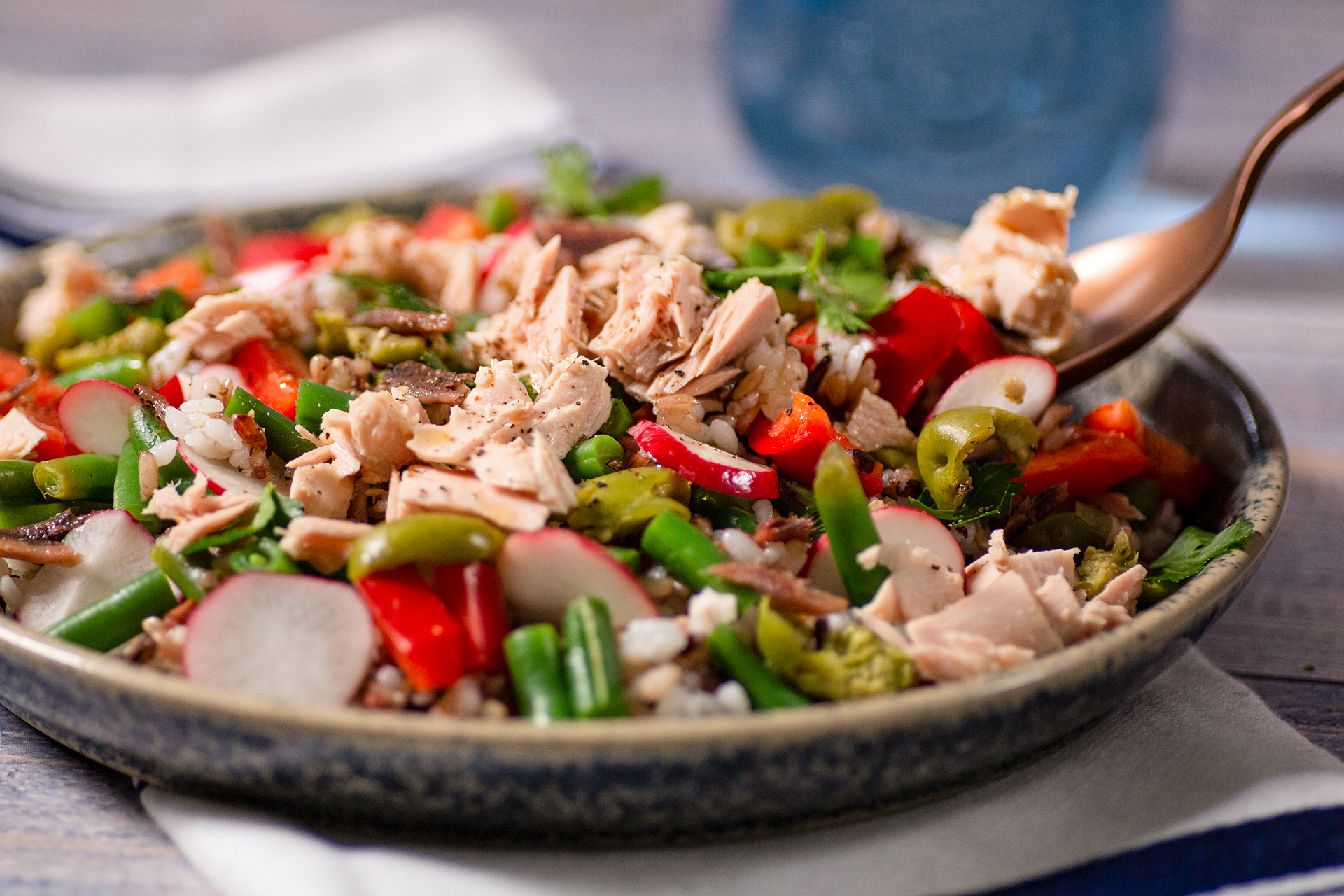 Salade printanière aux fruits de mer et au riz