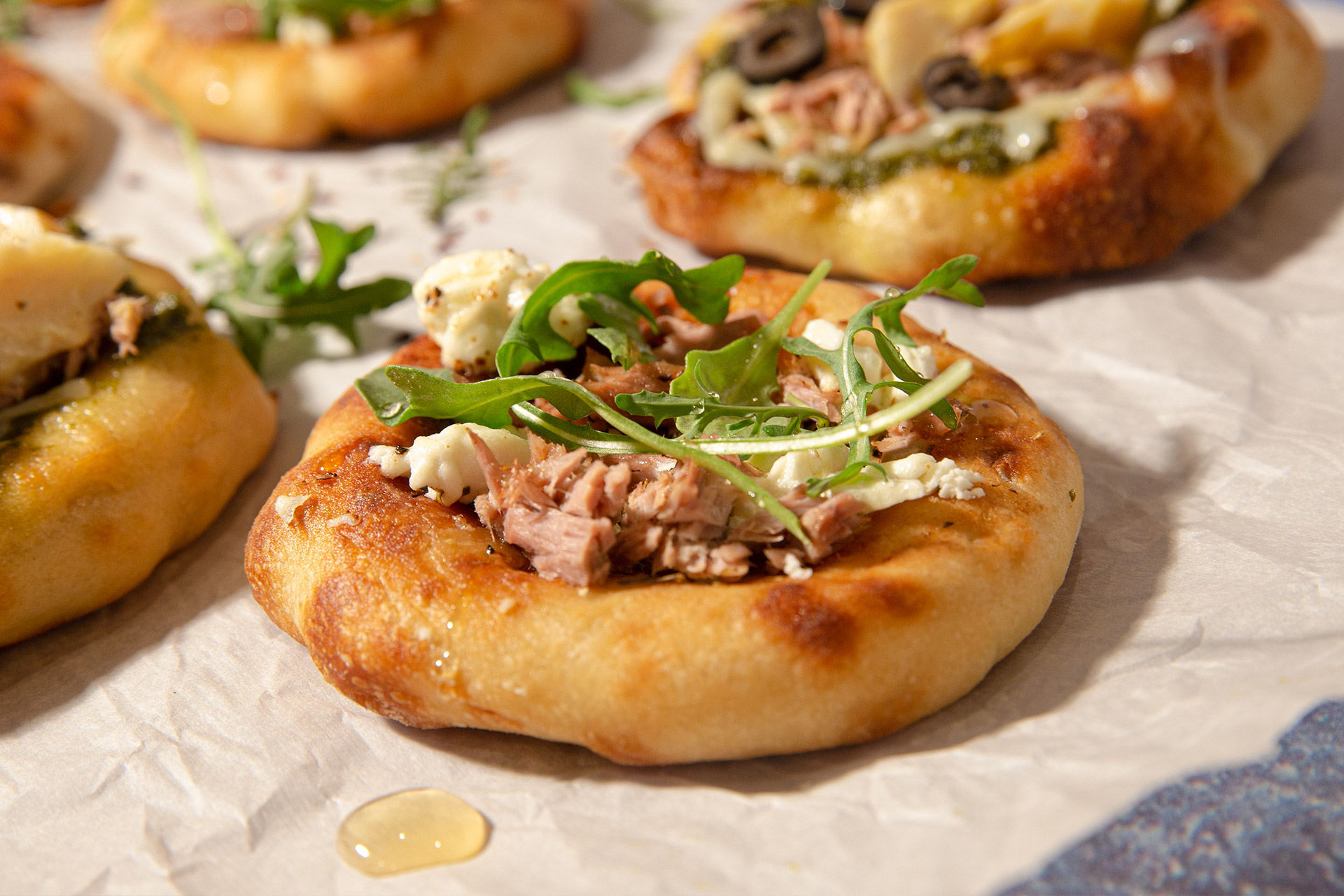 Tuna Pizza With Goat Cheese, Arugula And Honey